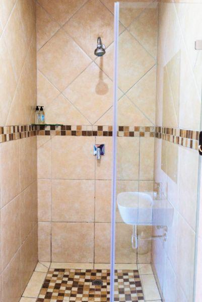 Room 3 Guest Room Shower