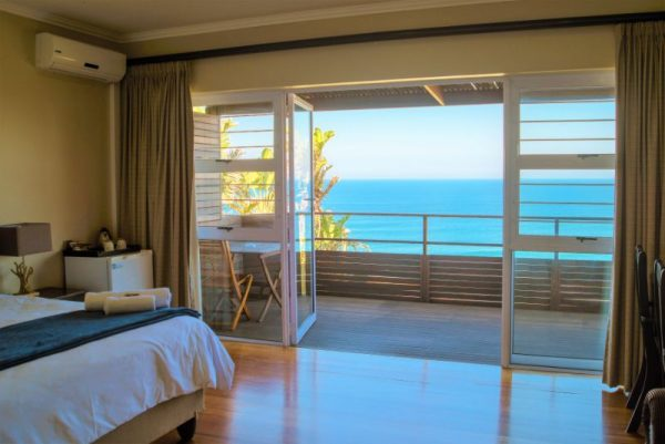 Room 4 Guest Room and View of Ocean Anstey's Beach